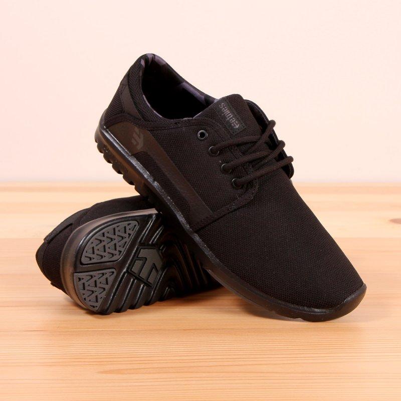 buty sportowe czarne na czarnej podeszwie męskie